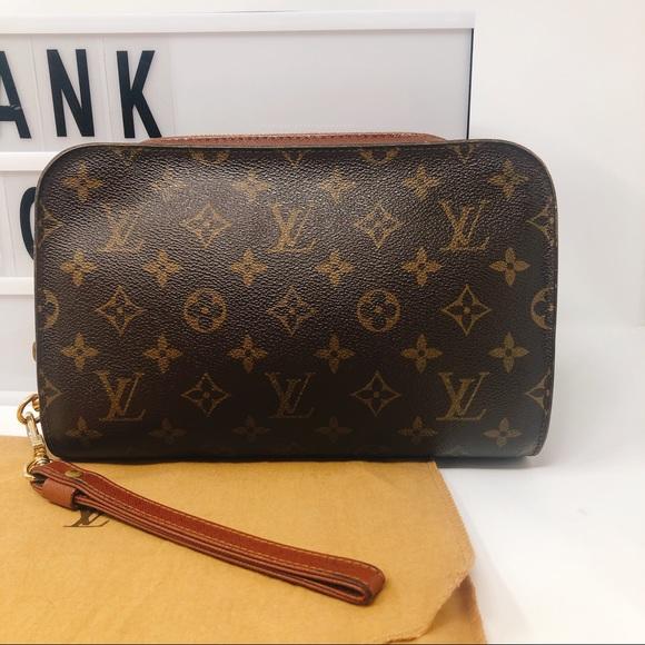 8babf0946ae1 Louis Vuitton Handbags - Louis Vuitton Orsay Monogram clutch wristlet bag